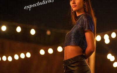 "Sofia Mora presenta ""Tus expectativas"""